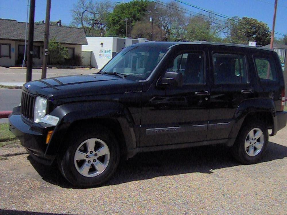 2012 Black /Black Jeep Liberty Sport 2WD (1C4PJLAKXCW) with an 3.7L V6 SOHC 12V engine, 4-Speed Automatic transmission, located at 2425 Franklin Ave., Waco, TX, 76701, (254) 753-6661, 31.540359, -97.148682 - Photo #0